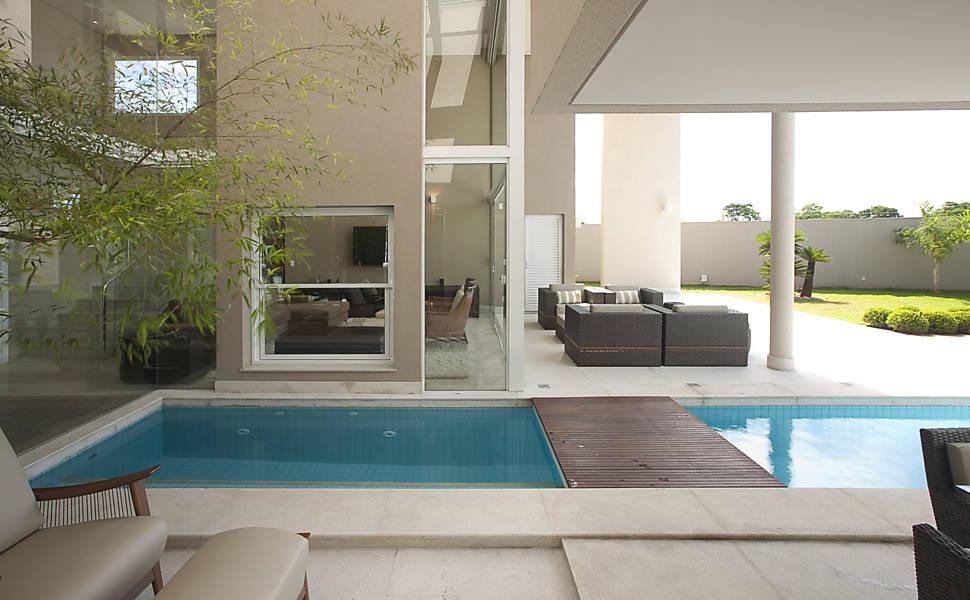 Concreto e vidro são os materiais mais explorados na construção.